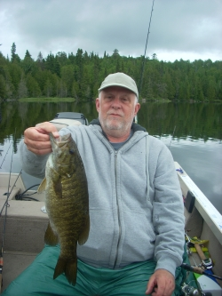 small mouth bass fishing lower manitou lake